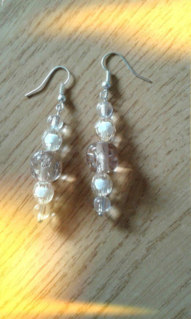 Orecchini con perle marroni chiari