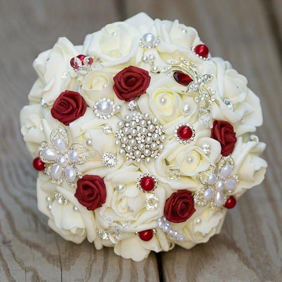 Bouquet Sposa Rosso.Bouquet Realizzato A Mano Bianco E Rosso Feste Matrimonio Di