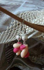 Orecchini pendenti marshmallow in fimo con perline argentate