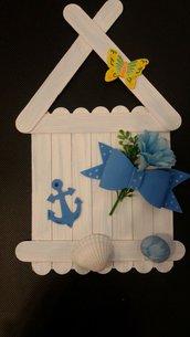 casetta fuori porta in legno stile marino