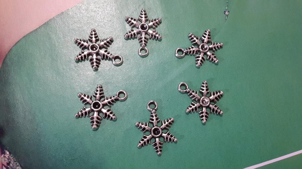 6 CHARMS CIONDOLI FIOCCO NEVE NATALE in argento tibetano