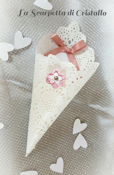 10 pz Coni portariso con fiorellino dipinto