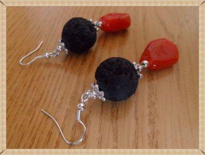 Orecchini lava vulcanica e perla rossa