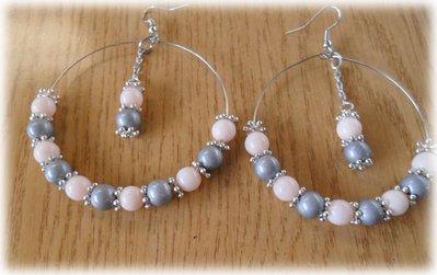 Orecchini cerchio perle rosa e grigie
