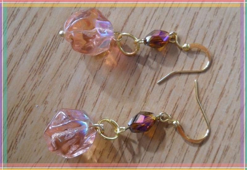 Orecchini perla rosa e perlina marrone