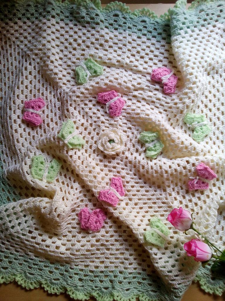 coperta lana per neonata a uncinetto con farfalle  - regalo nascita battesimo - coperta carrozzina