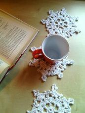 Sotto tazza  sotto bicchieri a uncinetto in cotone grosso bianco  e argento motivo cristalli di neve regalo natale