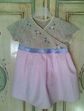 abito vestitino bambina fatto a mano ai ferri ricamato elegante cerimonia lino cotone