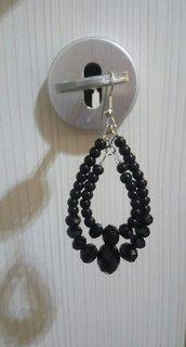pendenti a goccia con doppio giro di perle e cristalli neri