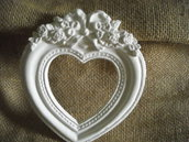 Cornice  cuore,in polvere ceramica