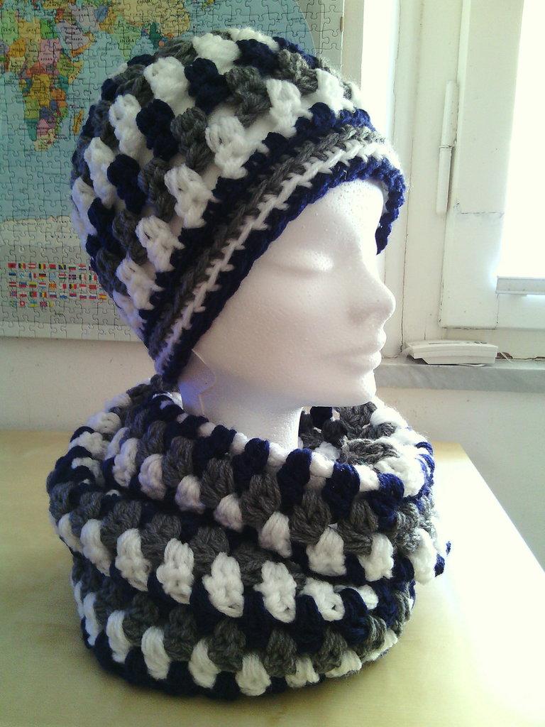 completo lana uncinetto berretto e sciarpa ad anello donna ragazza colori blu grigio e bianco - cuffia cappello lana e scaldacollo