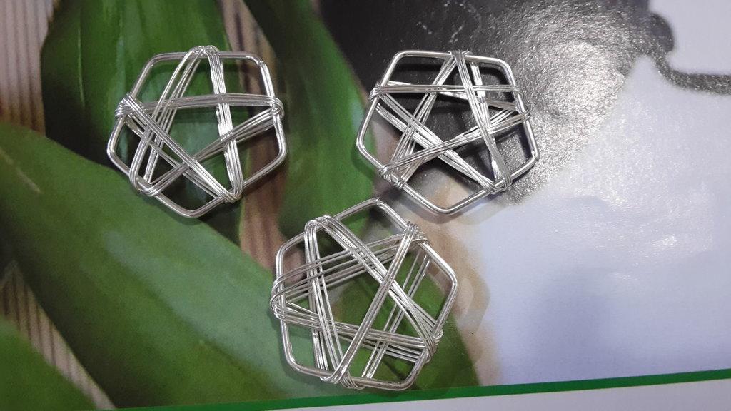 1 filigrana pentagonale metallo argentato