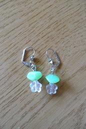 Bambina,orecchini verdi con farfallina trasparente