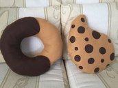 """Cuscini biscotto """"Abbracci"""" e """"Gocciole"""""""
