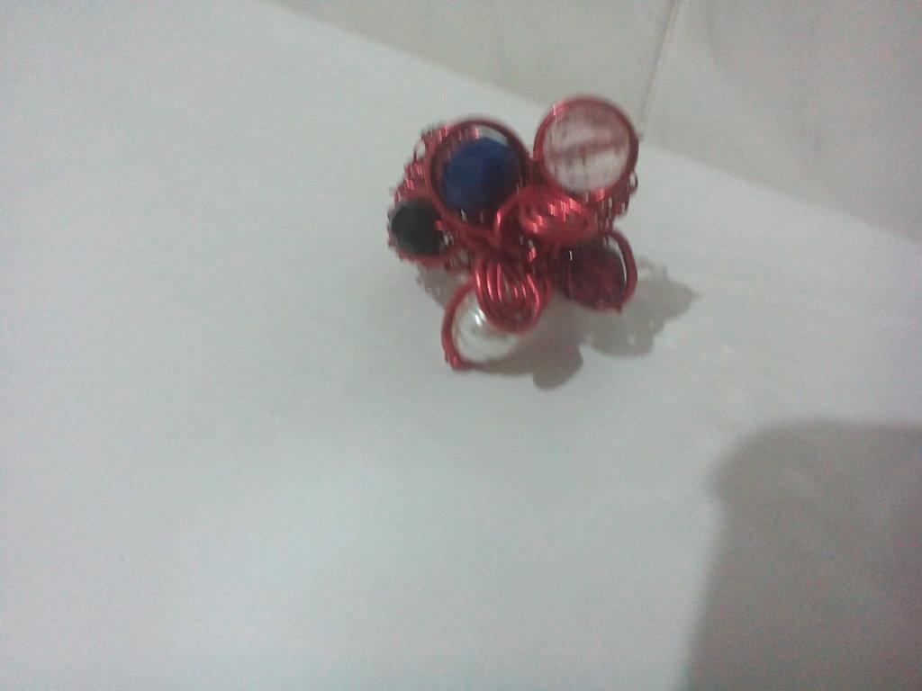 Fascia rossa con Corona di perle