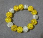 bracciale con perle grandi in vetro crackle gialle e bianche