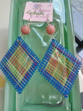 Orecchini con rombo in legno azzurro e pallina in giada rosa