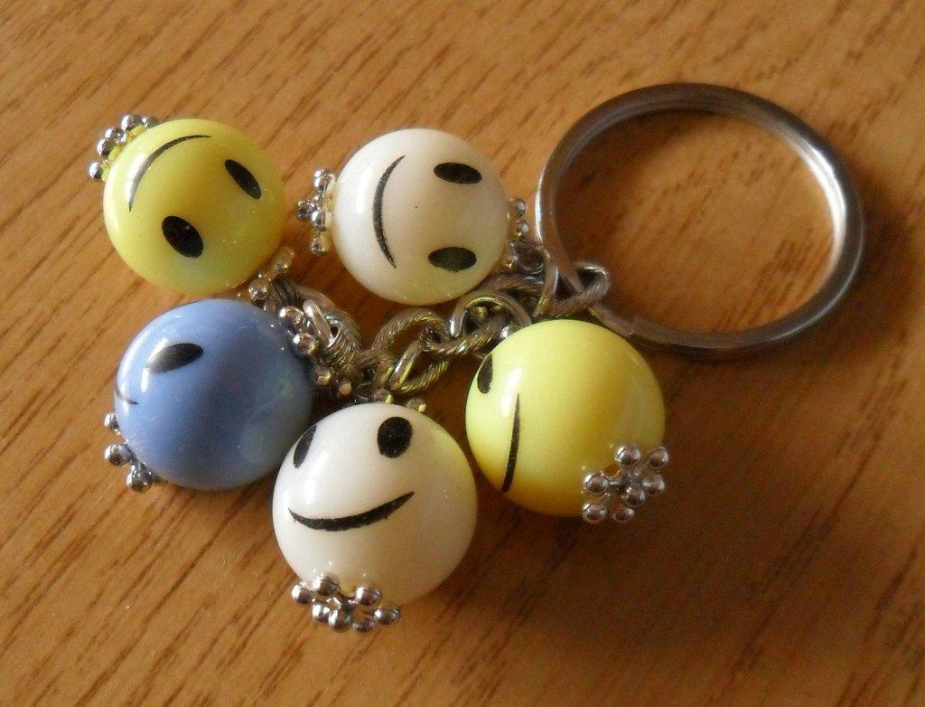 Portachiavi perle colorate smile