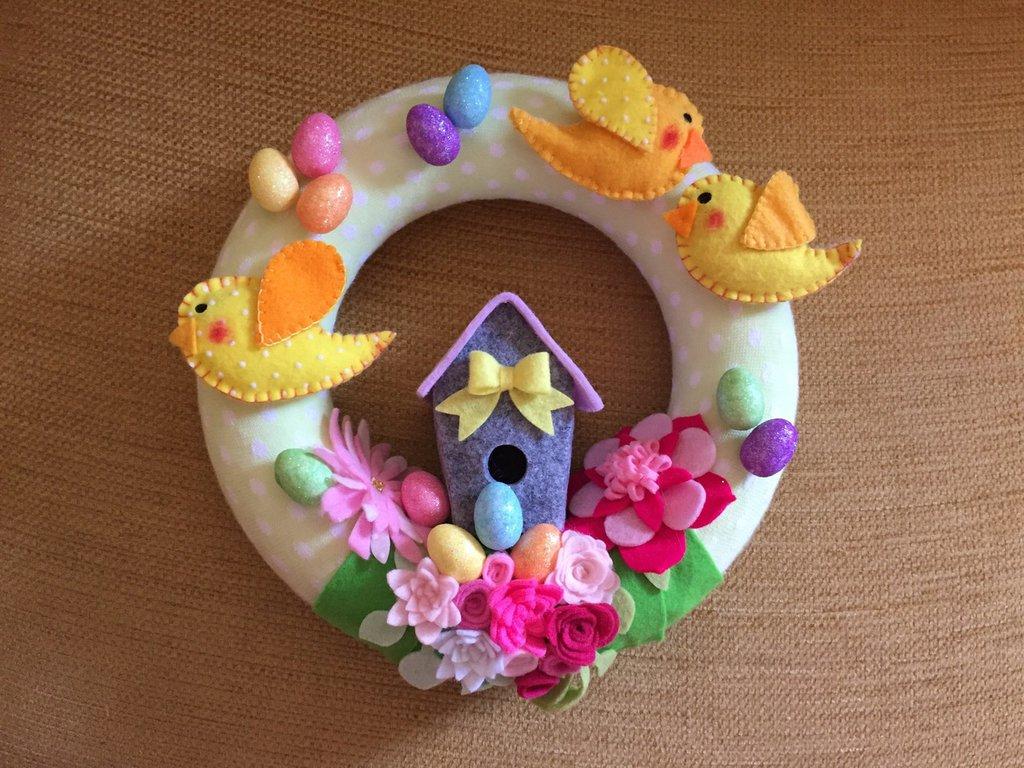 Fuori-porta primaverile colori pastello in feltro e panno con tubolare di lana
