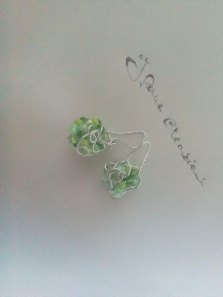 Sferette verdi di perline