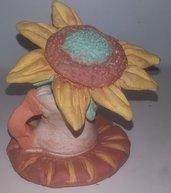 bomboniera,eseguita a mano opera unica argilla che asciuga all'aria terracotta girasole nel vaso