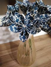 Fiori di carta broccato blu