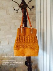 BORSA REALIZZATA A MANO ALL'UNCINETTO - CROCHET HANDMADE SHOULDER BAG