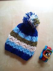 Berretto a trecce bambino fatto a mano ai ferri lana e con pompon - cuffia lana bimbo - berretta a righe - azzurro
