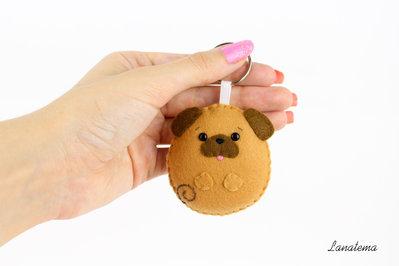 Cane carlino portachiavi in feltro, accessorio borsa amante degli animali, regalo simpatico, cane cucito a mano, carlino pannolenci