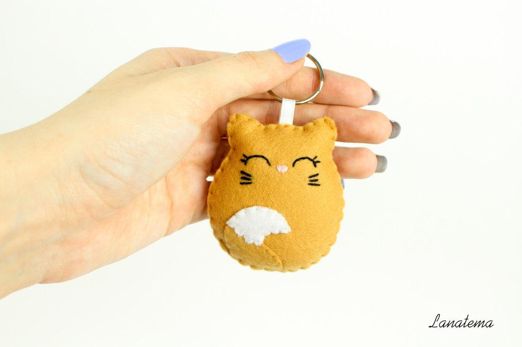 Portachiavi gatto in feltro, gatto marrone e bianco, accessorio per borse, animali peluche, gatto feltro, regalo per lei