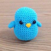 Uccellino azzurro amigurumi fatto a mano all'uncinetto