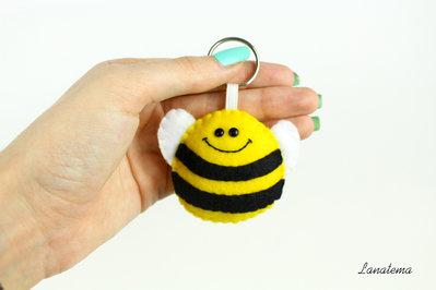 Ape portachiavi in feltro, ape in feltro, portachiavi animali, accessorio per borse e borsette, regalo per bambini, portachiavi giallo