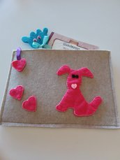Astuccio  portamatite di feltro  per scuola o asilo con cagnolino  rosa.