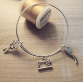 bracciale rigido bangle con charms