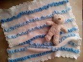 copertina in lana per neonato a righe e volant panna e celeste - regalo di nascita