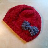 Cappello lana uncinetto bambina rosso con fiocco e ricamo perline oro berretto bambina elegante natale