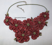 Collana kanzashi con fiori colore bordeaux 1