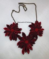 Collana kanzashi colore bordeaux 2 con catena di bronzo