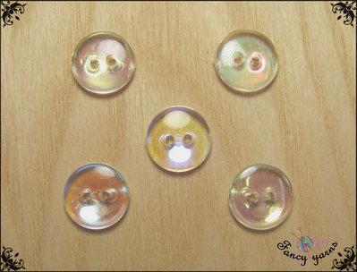 5 bottoni  mm.16, in resina trasparente, con riflessi multicolore, attaccatura 2 fori