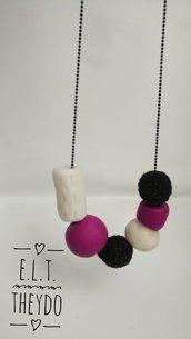 Collana perle, clay, legno e uncinetto. Fucsia e nero