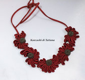 Collana kanzashi con fiori colore bordeaux 2