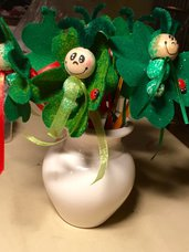 Matita con bruco verde di pannolenci