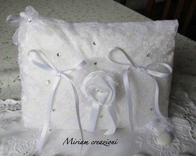 cuscinetto porta fedi bianco