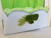 cestino in feltro bianco e verde
