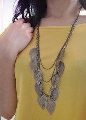 Collana tono argento scuro con foglie in filigrana