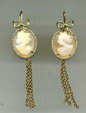 Orecchini pendenti in argento placcat oro giallo con cammei veri
