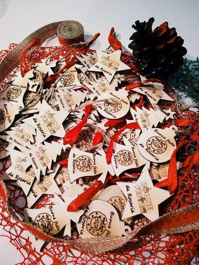 Decorazioni albero di natale in legno personalizzate for Decorazioni natalizie personalizzate