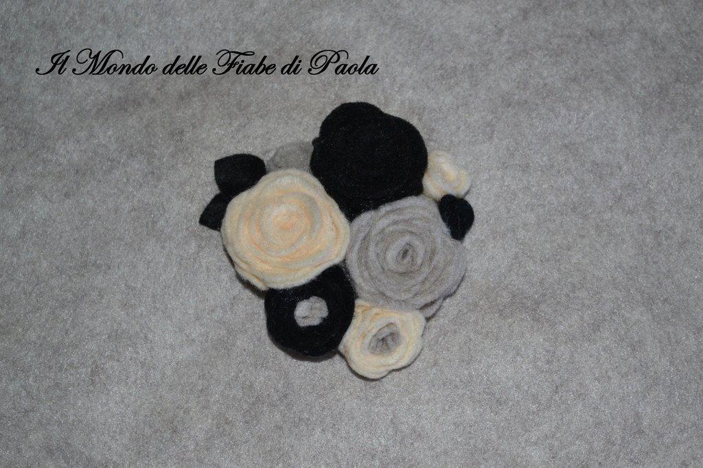 Spilla rose pannolenci