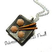 Collana cucina cinese  - piatto con ravioli dolci e bacchette! miniature kawaii idea regalo