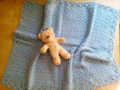 copertina lana neonato a uncinetto colore azzurro celeste copertina carrozzina regalo nascita